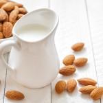 アーモンドミルクの5つの優れた美容効果と簡単な作り方