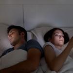 寝る前スマホが太る原因に!すぐにやめたい3つの理由と対策