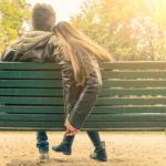 恋愛依存症になりがちな女性の心理特徴7つと克服の方法