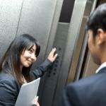 職場の好きな男性に好きバレしたときにとるべき5つの行動!