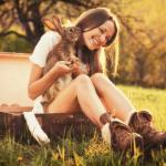 うさぎ系女子のかわいい特徴5つと上手く付き合う対処法