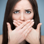 ドライマウスの症状がツライ!7つの改善で口臭にサヨナラ