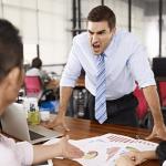 すぐ怒鳴る人の心理特徴7つと怒りを逸らす上手な対処法