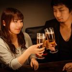 飲み会で脈ありな女性が出す好意のサイン9つの見抜き方