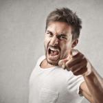 他人に攻撃的な人の心理特徴7つのタイプと攻撃をかわす方法