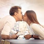 【夢占い】キスする夢やキスされる夢に隠された9つの相手別解釈