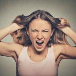 ヒステリー女の心理特徴7つと感情を刺激させない対処法