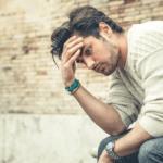 自虐的な人の心理特徴7つと自分もネガティブにならない付き合い方