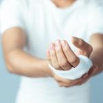 【夢占い】怪我をする夢に隠された9つの意味や深層心理とは?