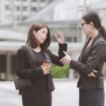 マウンティングされやすい女性の特徴7つと上手なかわし方や対処法