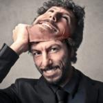 裏表のある人の心理特徴7つと信用できない人との上手な距離の置き方